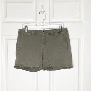 American Eagle Chino Shorts Mid Rise Size 8